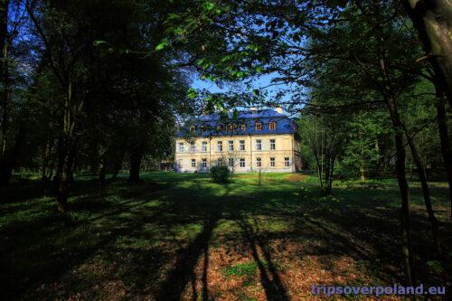 Park i pałac w Nakle