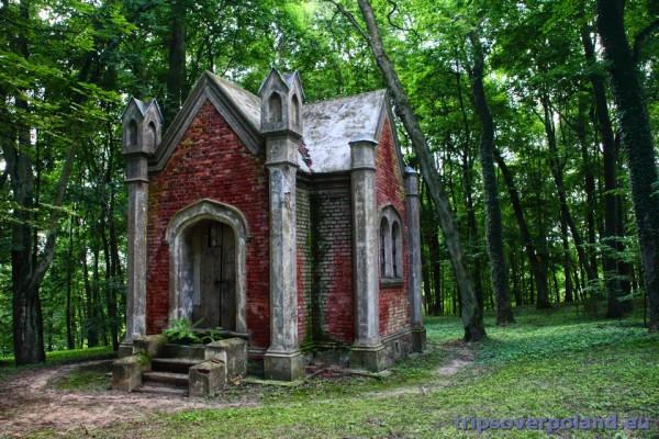 Nakomiady - kaplica parkowa