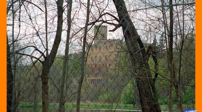 Suma narzekań, łez i petycji – czy to uratuje zamek w Ratnie Dolnym?